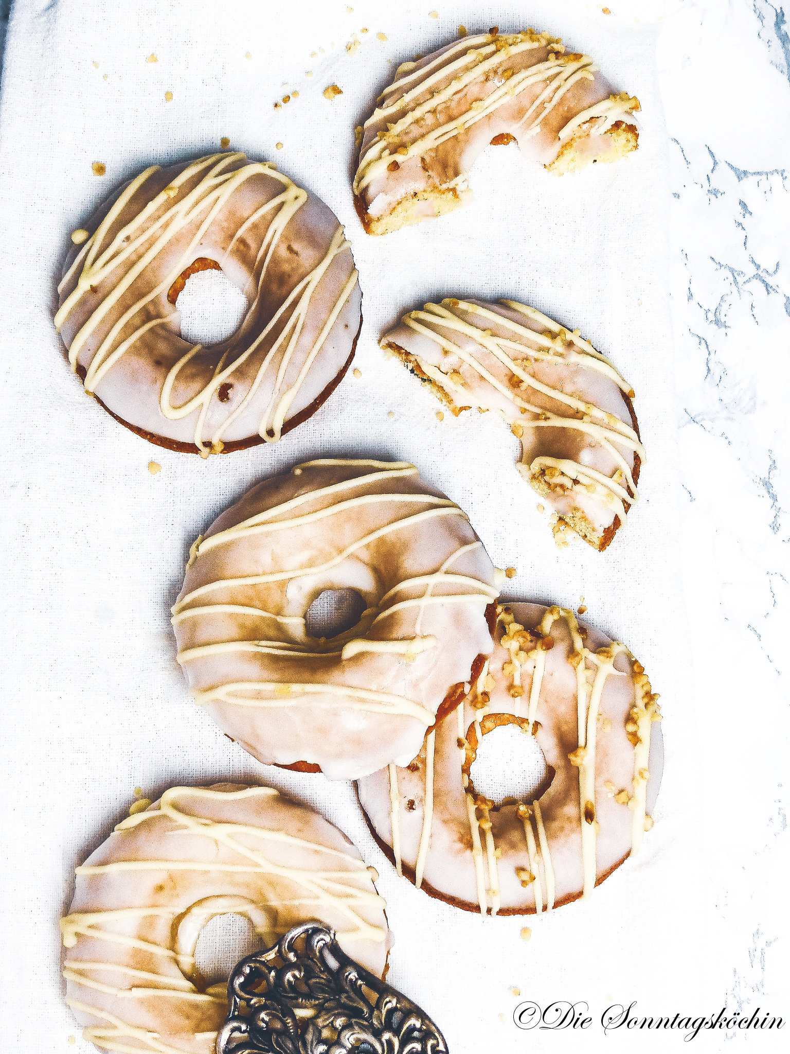Zitronen Donut mit Glasur