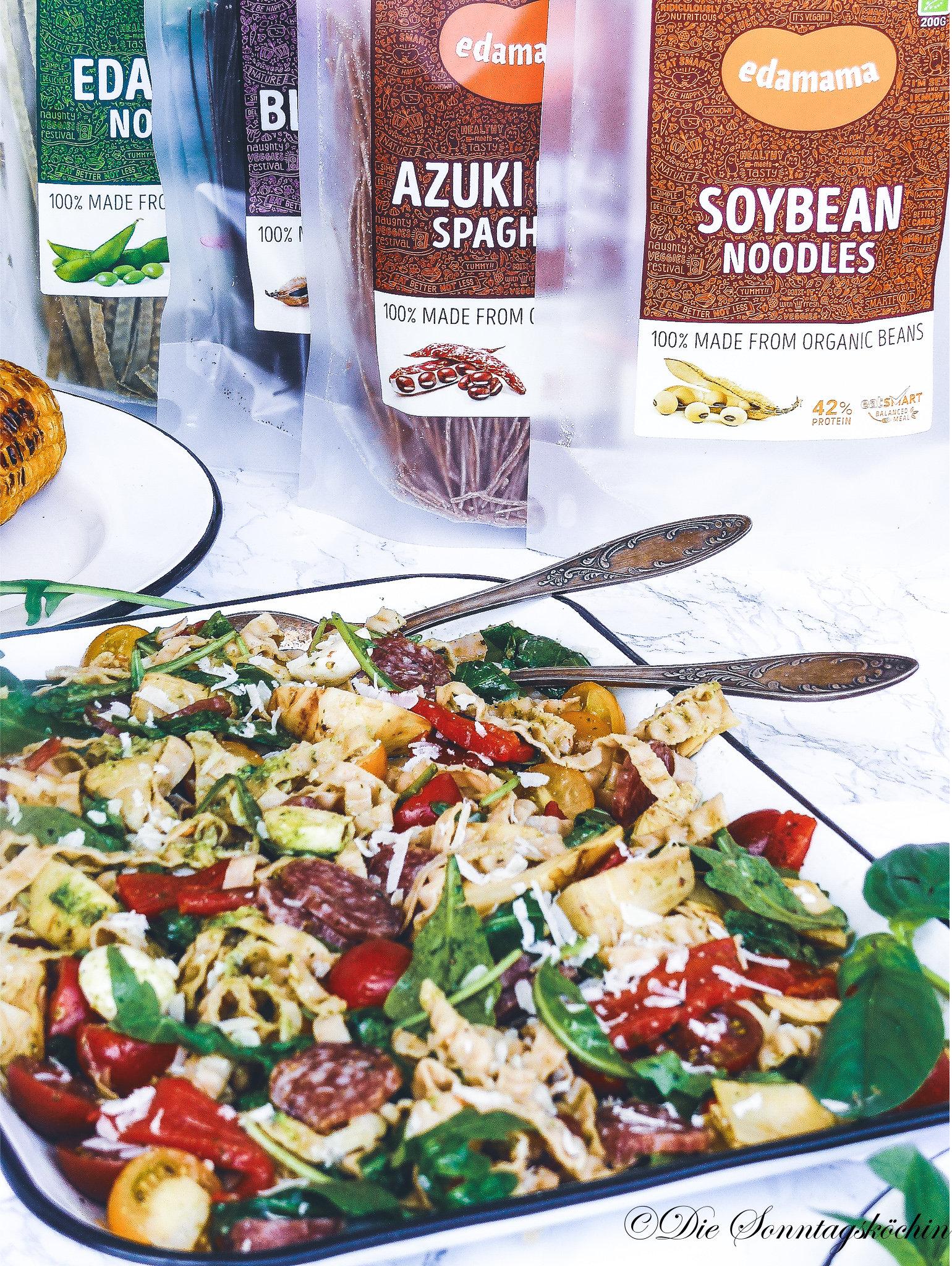 Anti Pasti Sojanudelsalat mit gegrilltem Maiskolben