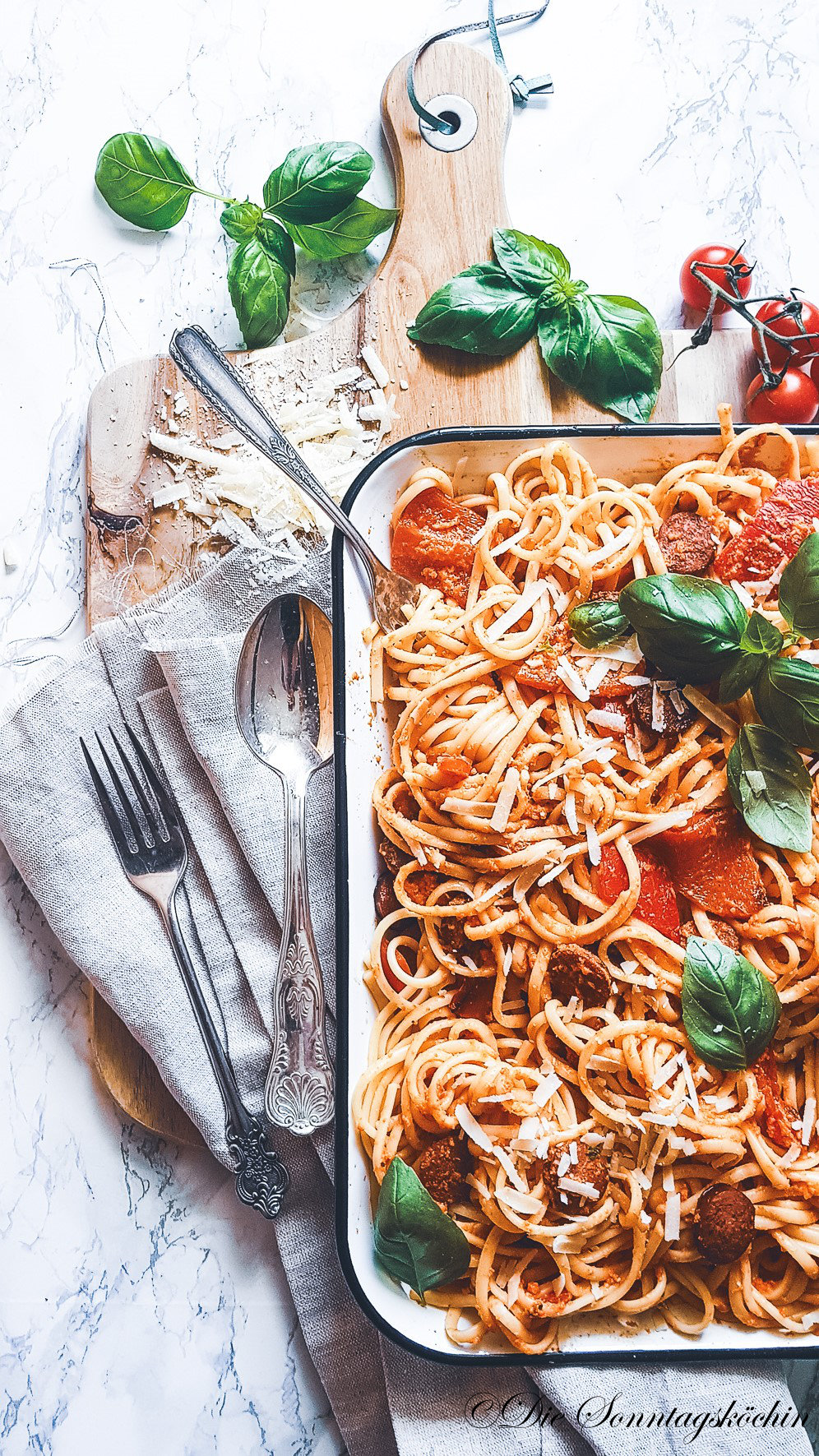 Pasta mit gegrillter Paprika & Paprika Pesto