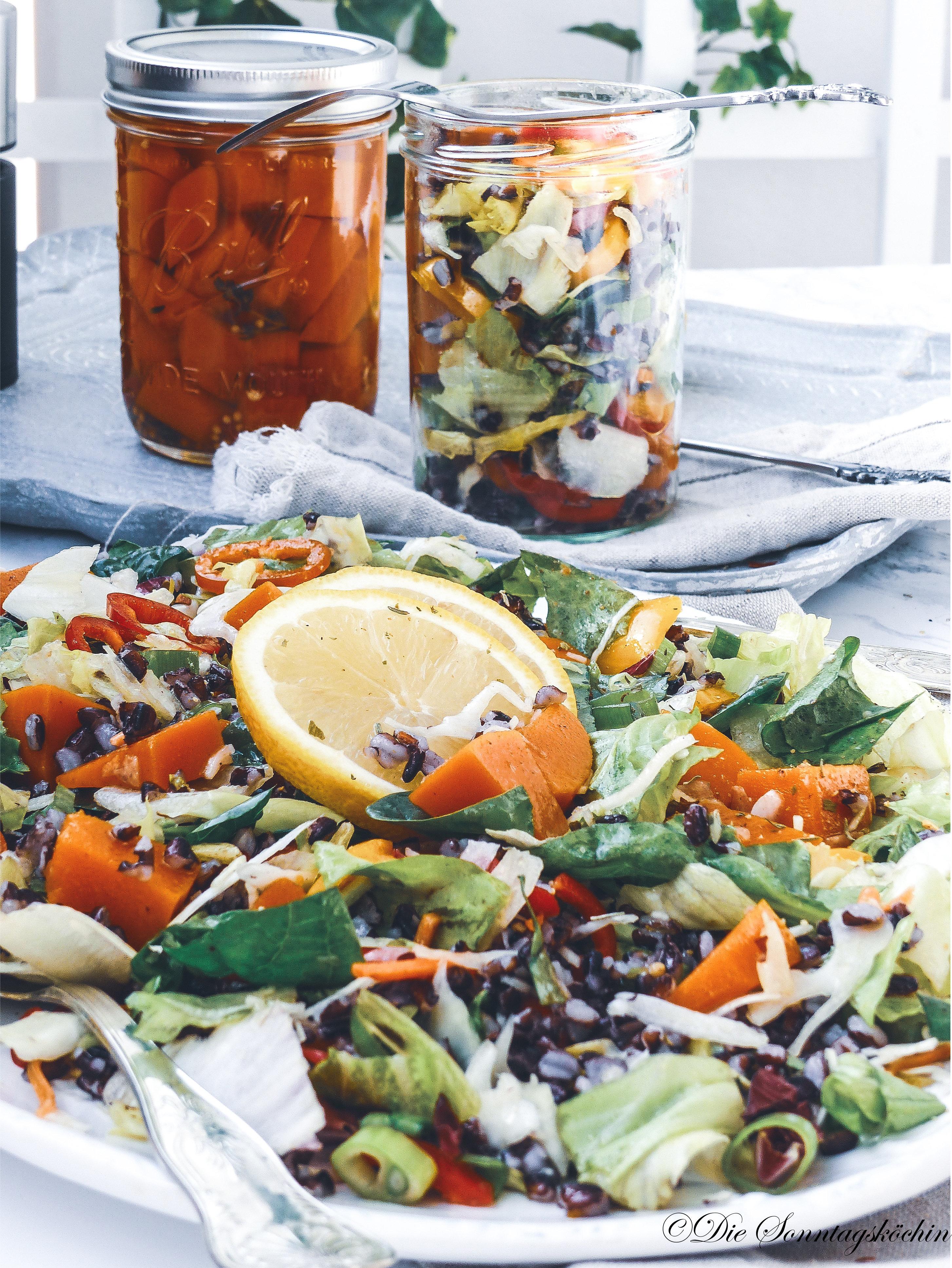 Wildreis Salat mit süss-sauer eingelegtem Kürbis