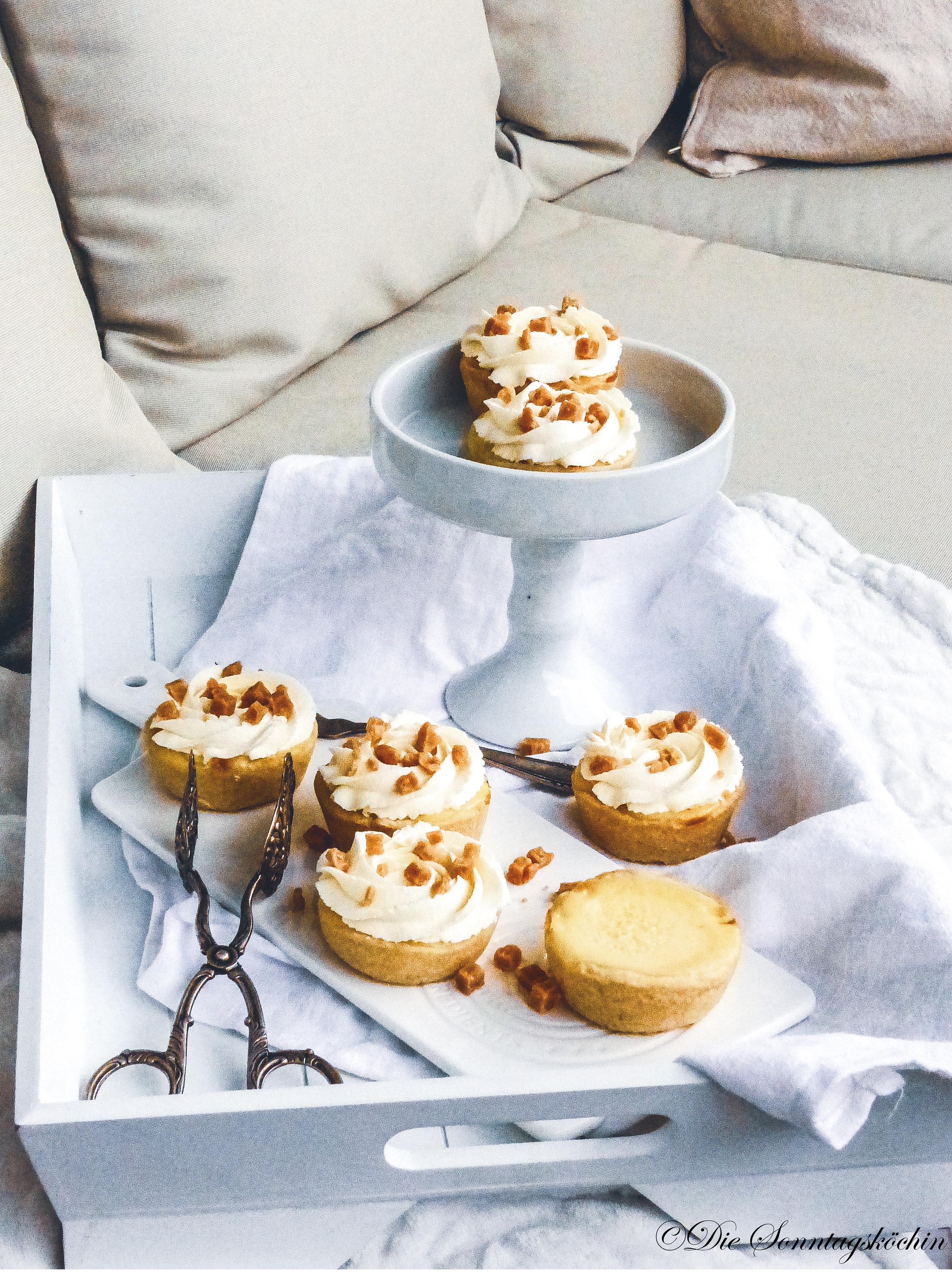 Mini Cheesecake Törtchen mit Salted Karamel Fudge