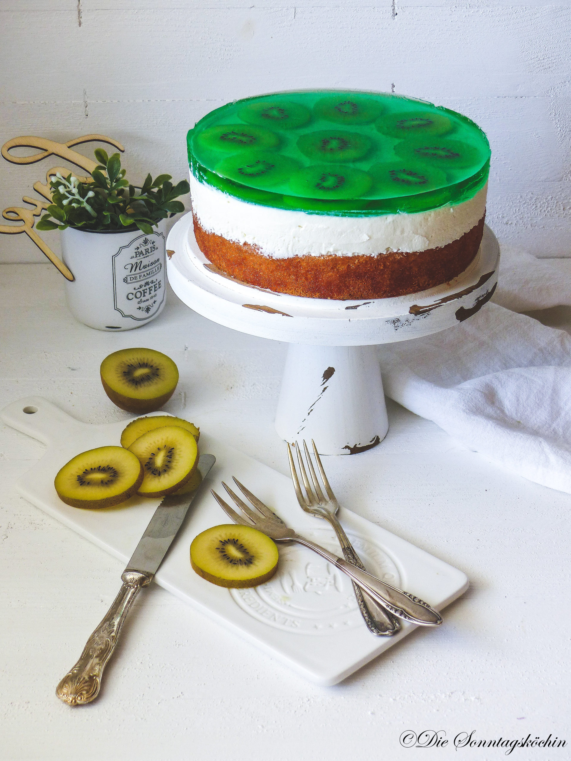 Kiwi Quark Torte