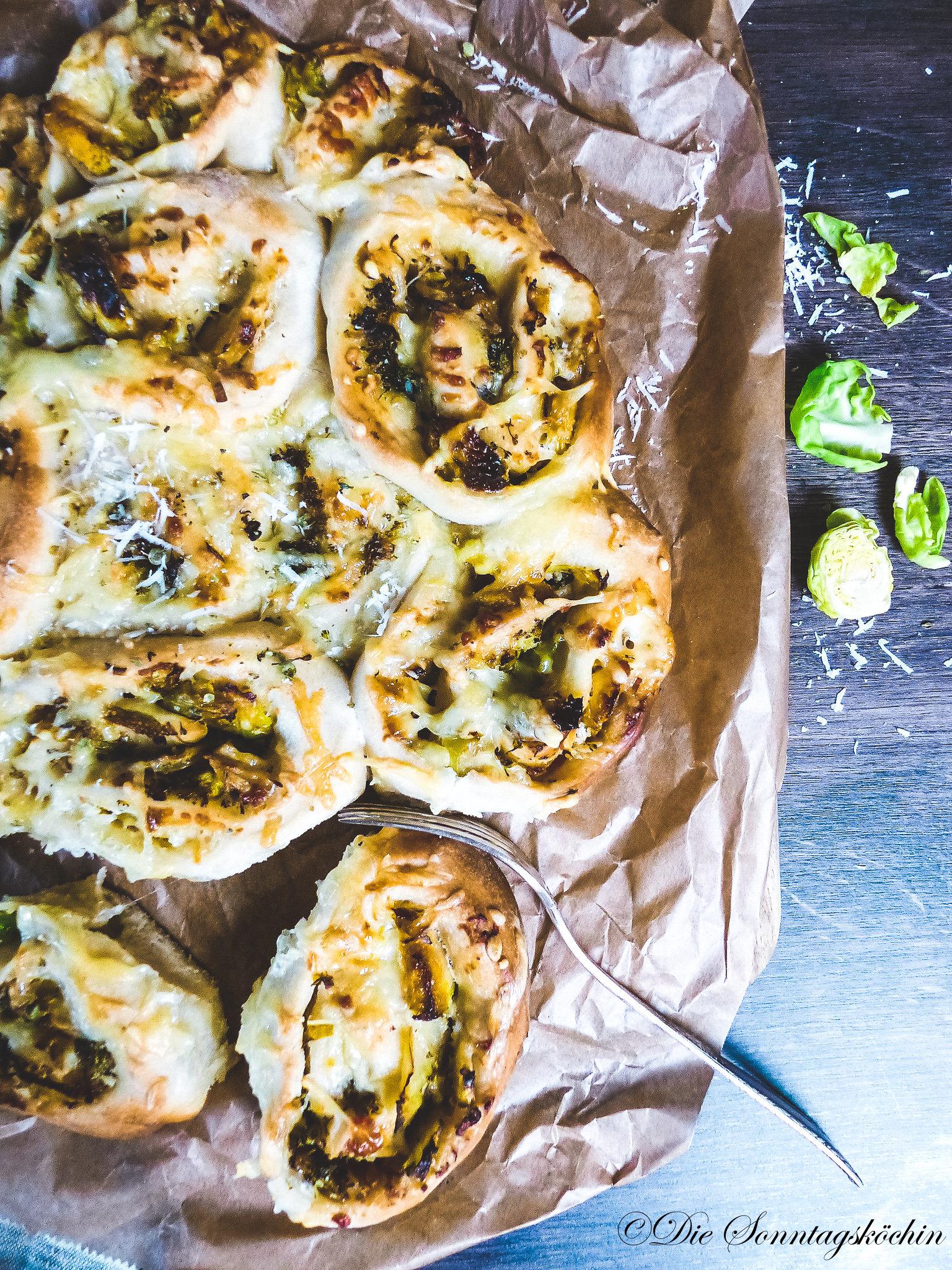 Gemüse Pizzaschnecken mit Parmesan